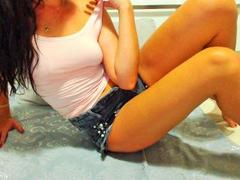 sidny - female with brown hair webcam at xLoveCam