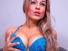 SlinkyAngeel - blond female webcam at xLoveCam