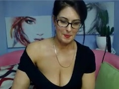 SophieSexy - female with black hair and  big tits webcam at xLoveCam