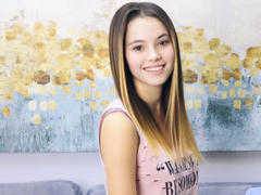 SusanSmithS - female with brown hair and  small tits webcam at xLoveCam