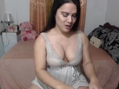 SweetEyesTS from xLoveCam