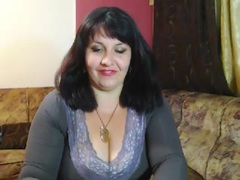 TheCurvy69 from xLoveCam