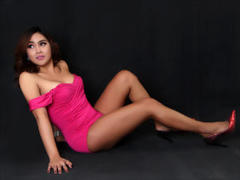 TsSophisticated - shemale with black hair and  big tits webcam at xLoveCam