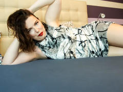 KarinaV - female with black hair and  big tits webcam at LiveJasmin